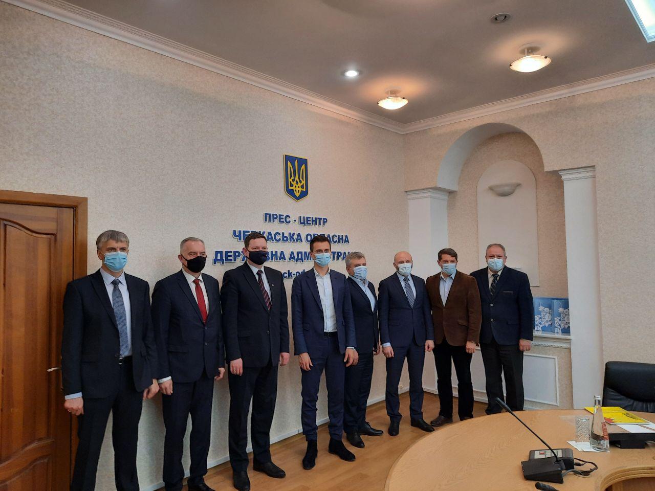 Черкаські владці обговорили напрямки співпраці із Послом Латвійської Республіки