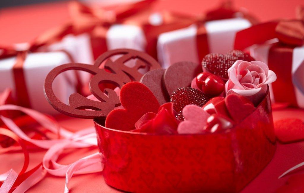Найромантичніше свято: ідеї подарунків до Дня закоханих