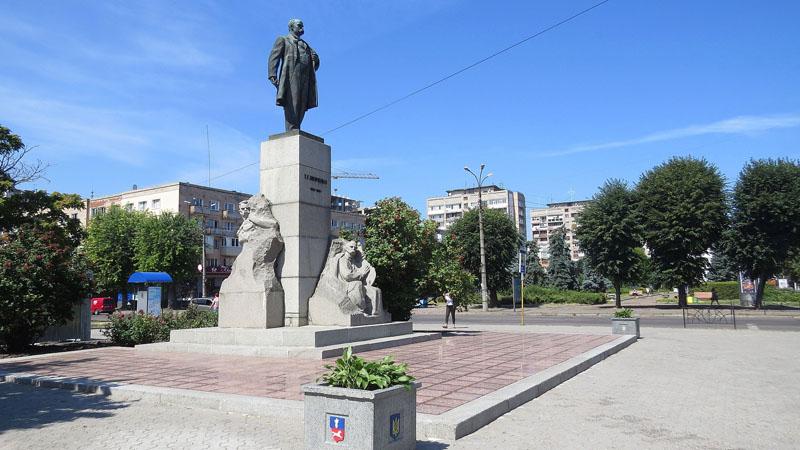 Шевченко став рекордсменом за кількістю встановлених йому пам'ятників у світі (ВІДЕО)