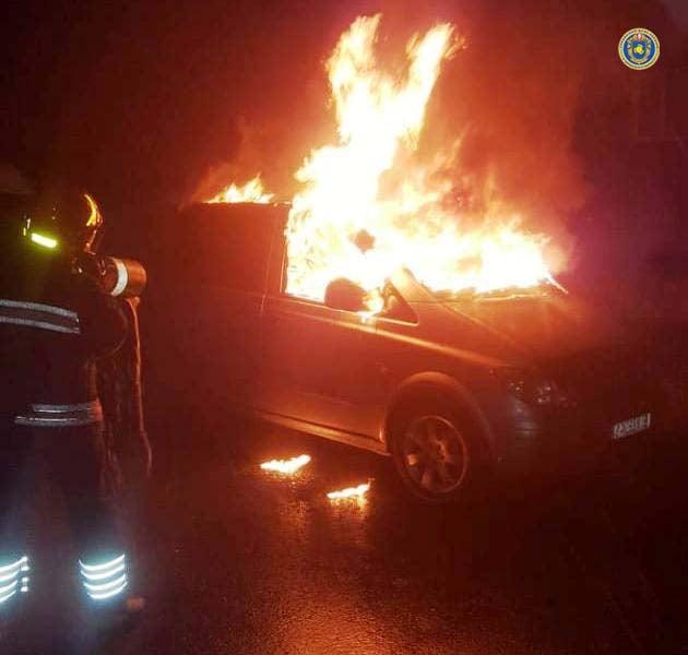 Імовірно підпал: у Черкасах вночі загорівся автомобіль