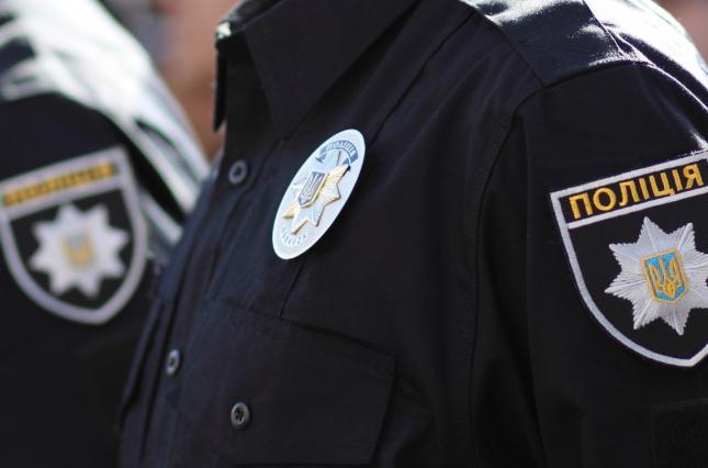 На Черкащині поліцейські врятували чоловіка, який хотів повіситися