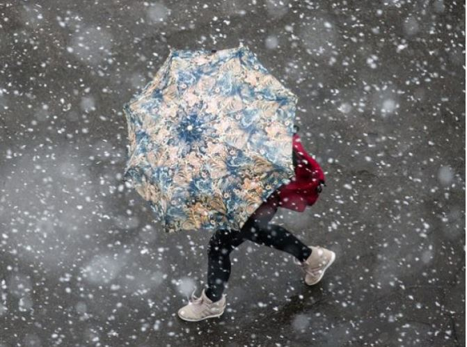 Погода у четвер: на Черкащині дощ і мокрий сніг