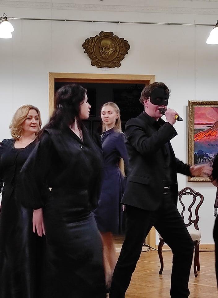 Черкаський театр Шевченка провів глядачів життєвими стежками Лесі Українки