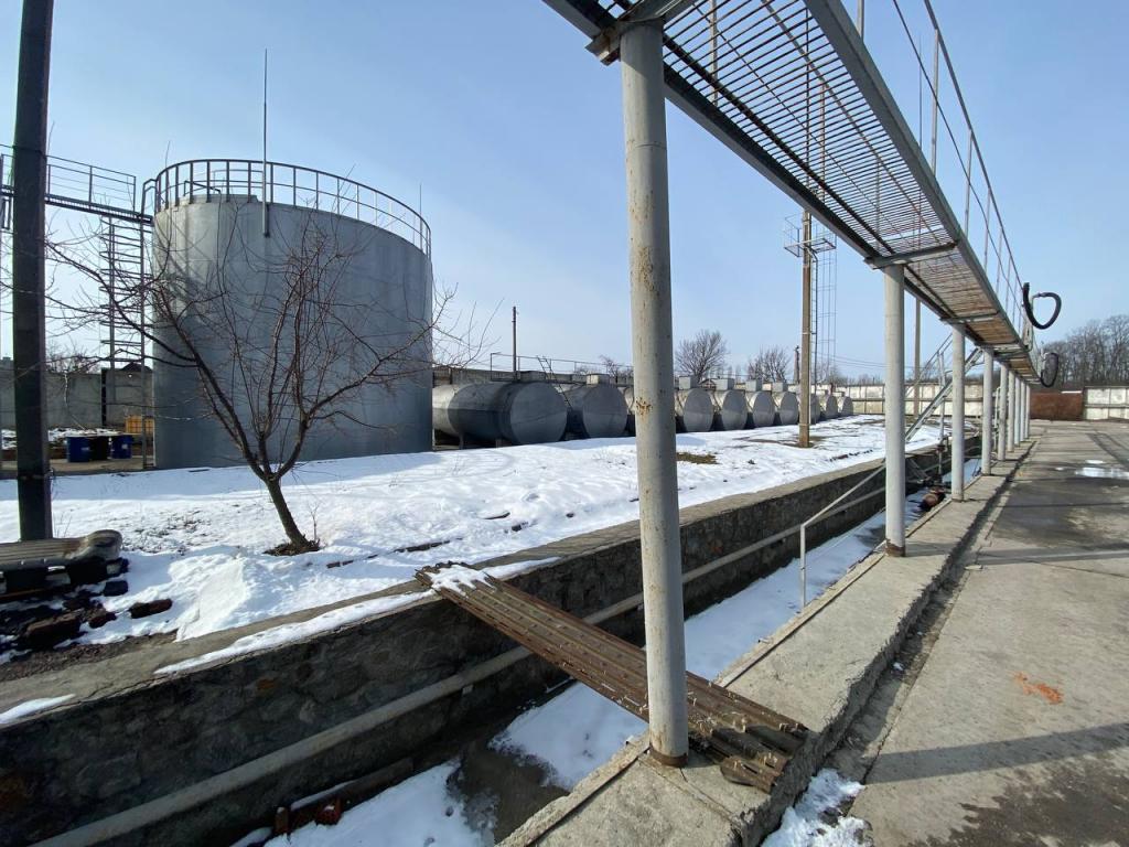 В області виявили нафтобазу, на якій зберігали пальне без дозволів