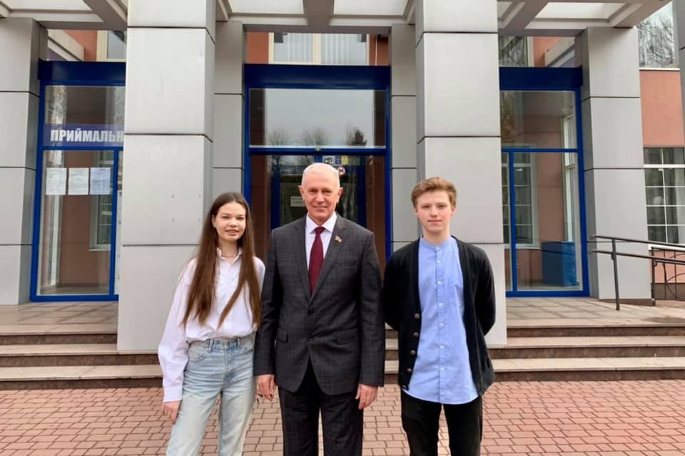 Двоє студентів ЧДБК отримали гранти на навчання в США