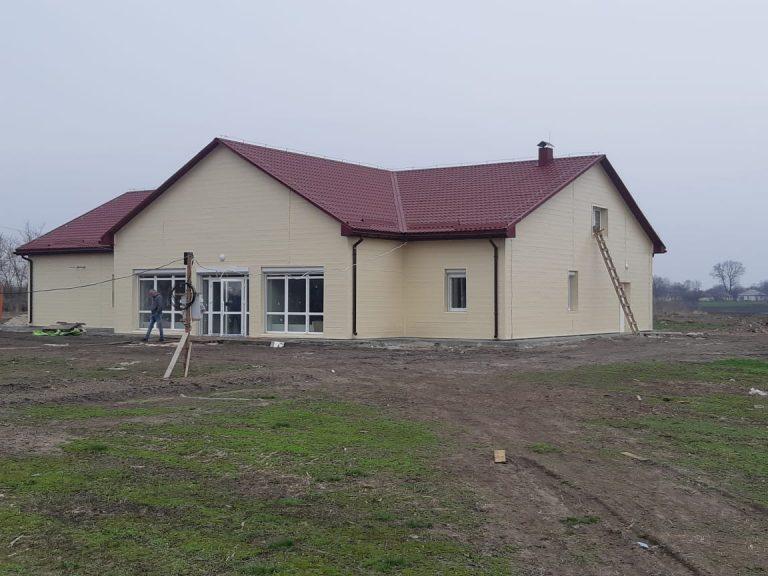 На Золотоніщині завершують будівництво сільської амбулаторії