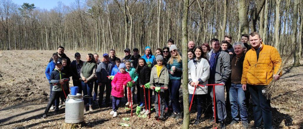 Партійці та депутати «Європейської Солідарності» висадили близько 10 000 дерев у межах акції «Озеленення планети»
