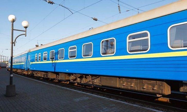 У межах області курсуватимуть додаткові потяги на Великодні свята