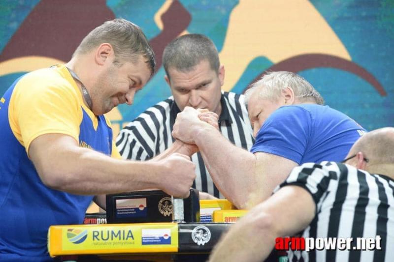 Черкащанин виборов «золото» на чемпіонаті з армспорту