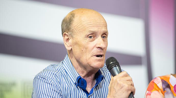 Помер відомий український письменник, який був родом із Черкащини