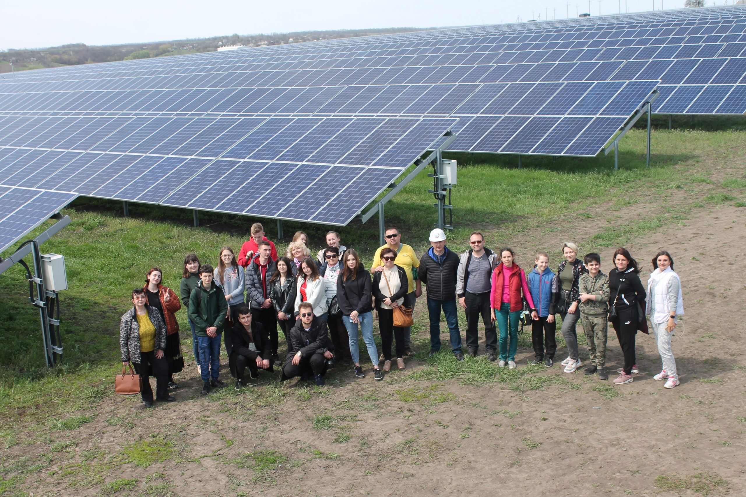 Учасники курсу з підприємництва відвідали сонячнуелектростанцію (ФОТО)