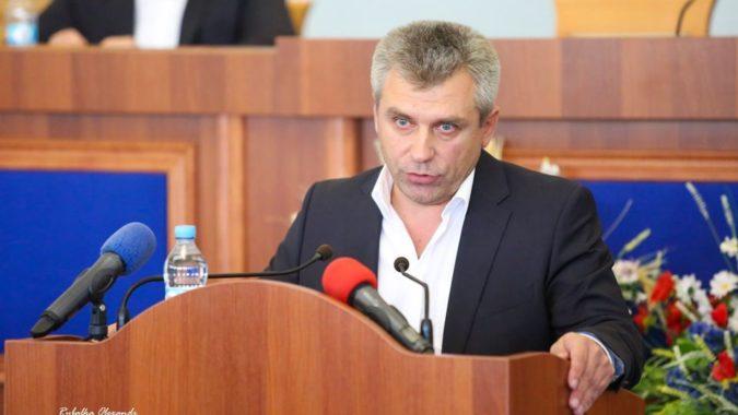 Депутати збирають голоси за відставку голови Черкаської облради