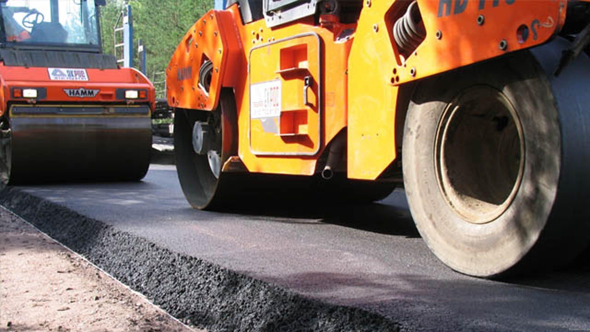 У Черкасах ремонтують дороги