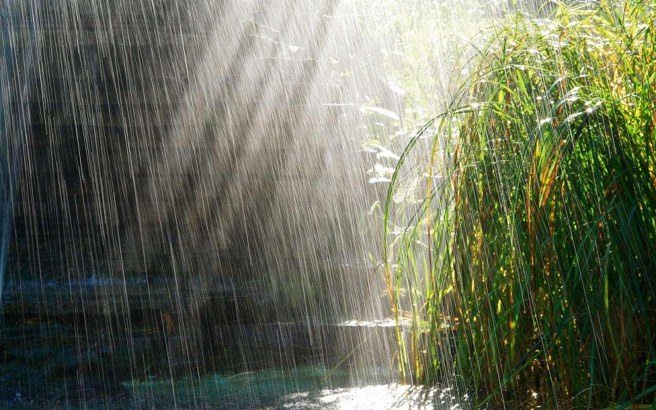 Циклон у регіоні провокує короткочасні дощі