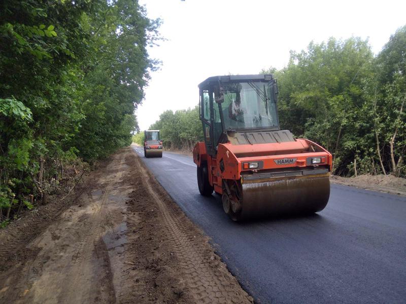 В області триває ремонт дороги від Легедзиного до Добровод