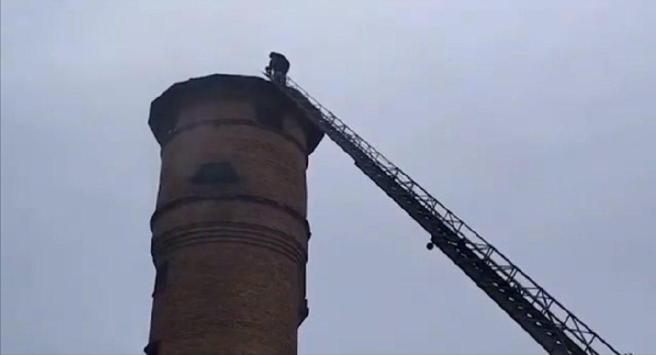 Із 30-метрової водонапірної вежі врятували трьох черкащан
