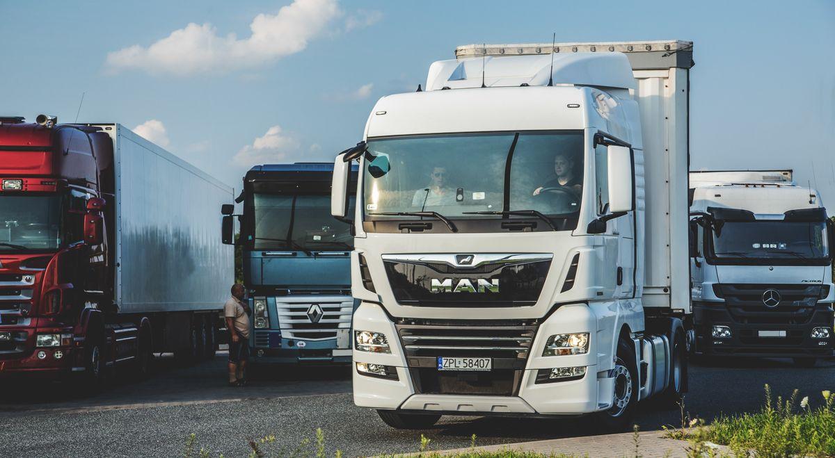 Водіям вантажівок заборонили їздити Черкащиною в спеку