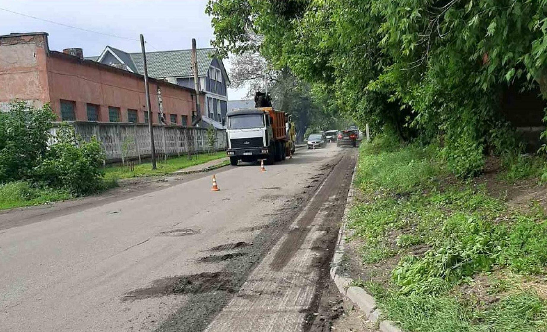 Розпочали ремонт дороги на вулиці Байди Вишневецького в Черкасах