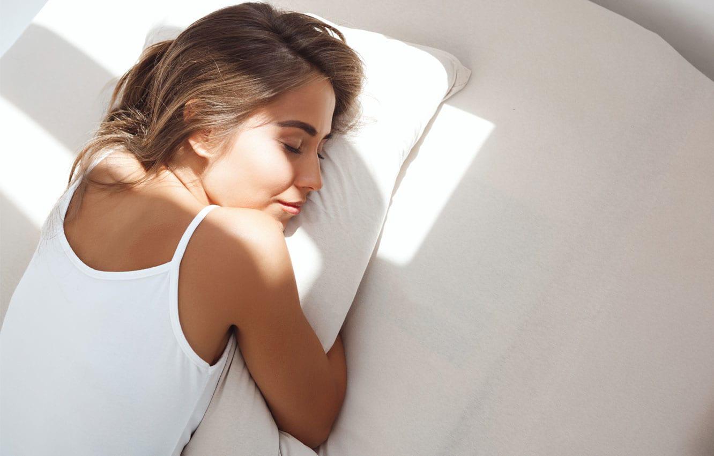 Як легше заснути у літню спеку?