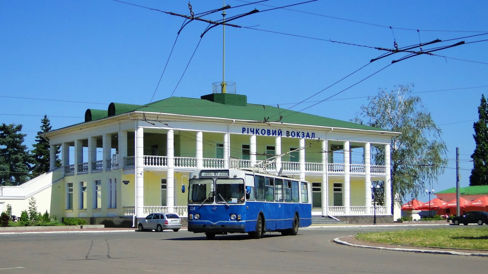 Деякі тролейбуси змінять рух маршруту через ремонт доріг