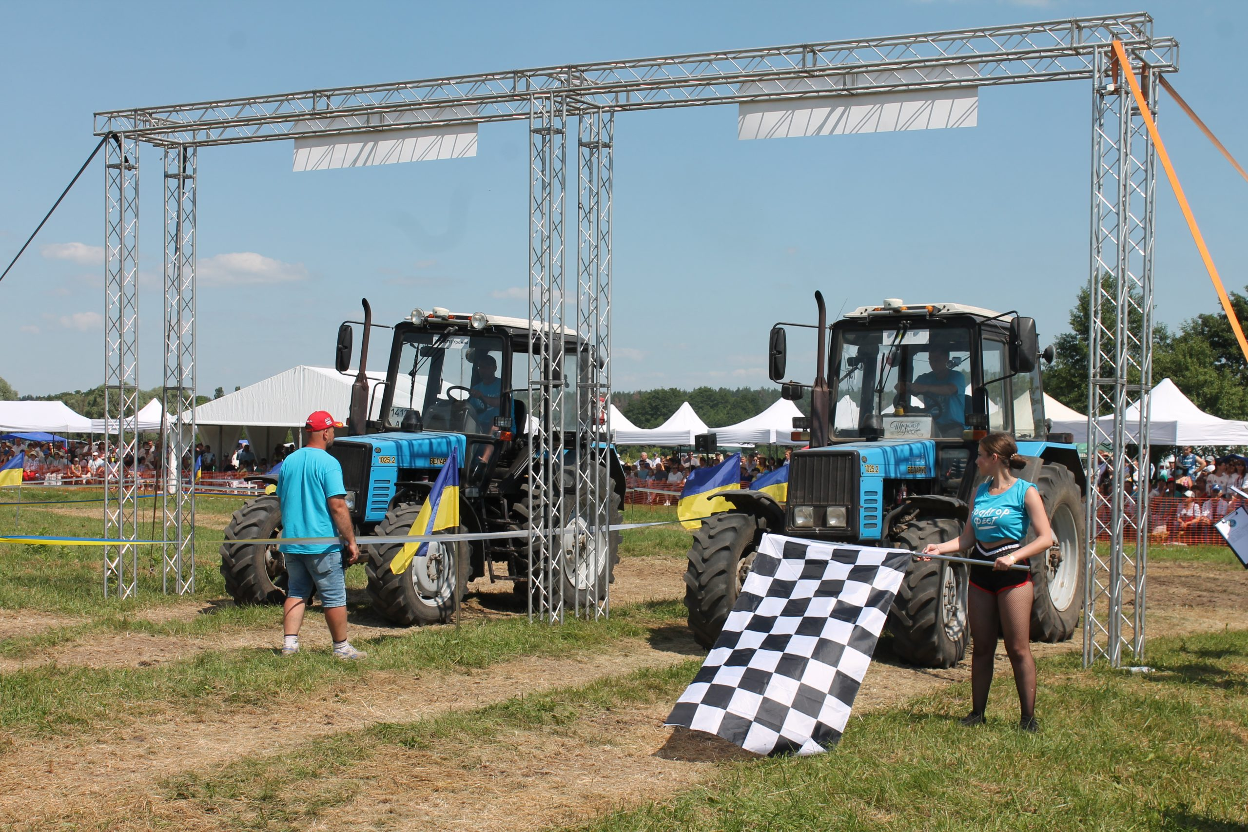 «Тракторфест» на Канівщині: трактори, перегони й вишиванки (ФОТОРЕПОРТАЖ)