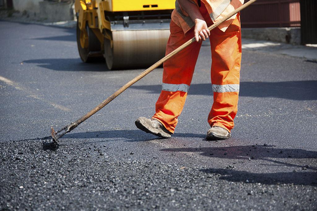 На Золотоніщині викрали пів мільйона на ремонті доріг
