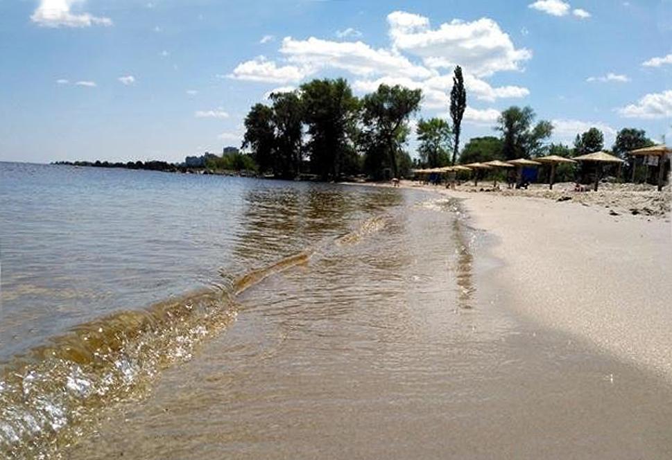 На трьох черкаських пляжах зафіксували порушення санітарних норм