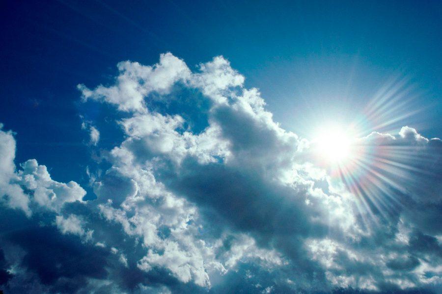 Сьогодні в області буде спекотно й можливі опади