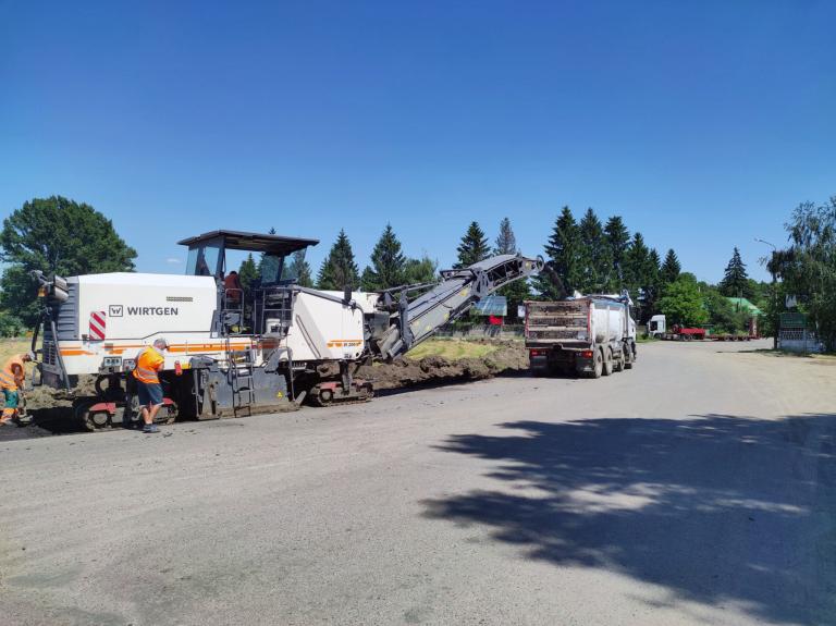 На обході Тального продовжують ремонтувати дорогу