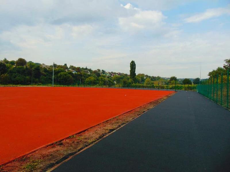 У тальнівській школі завершують будівництво футбольного поля