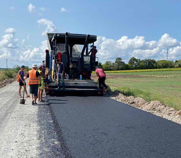 У Черкаському районі капітально ремонтують дорогу між селами Холоднянське та Миколаївка