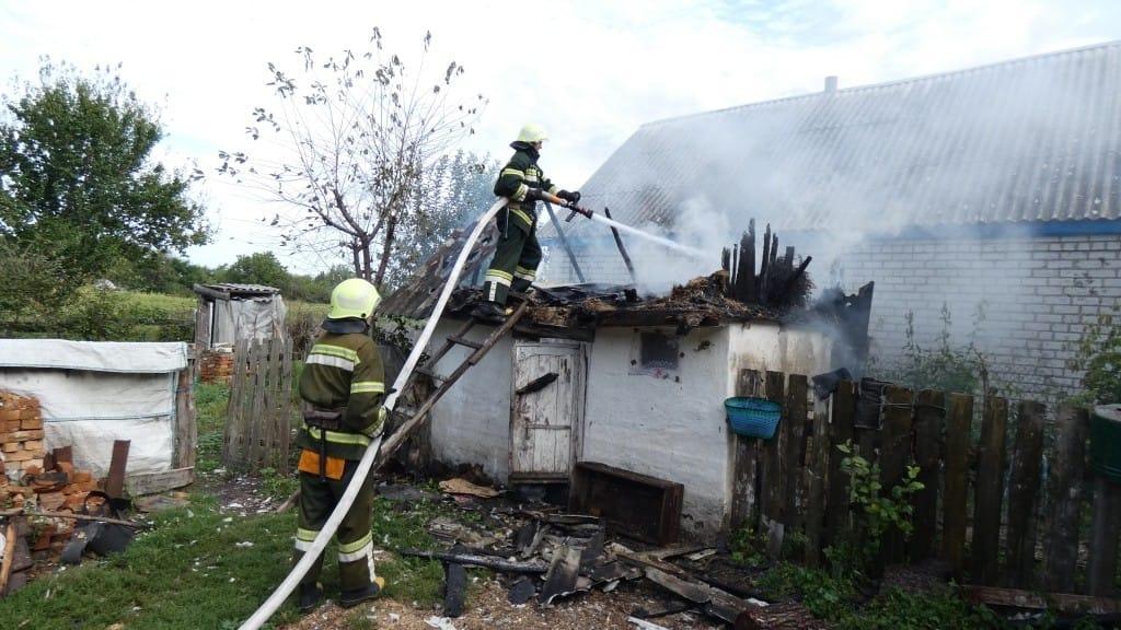 На Звенигородщині через дитячі пустощі загорілася надвірна споруда