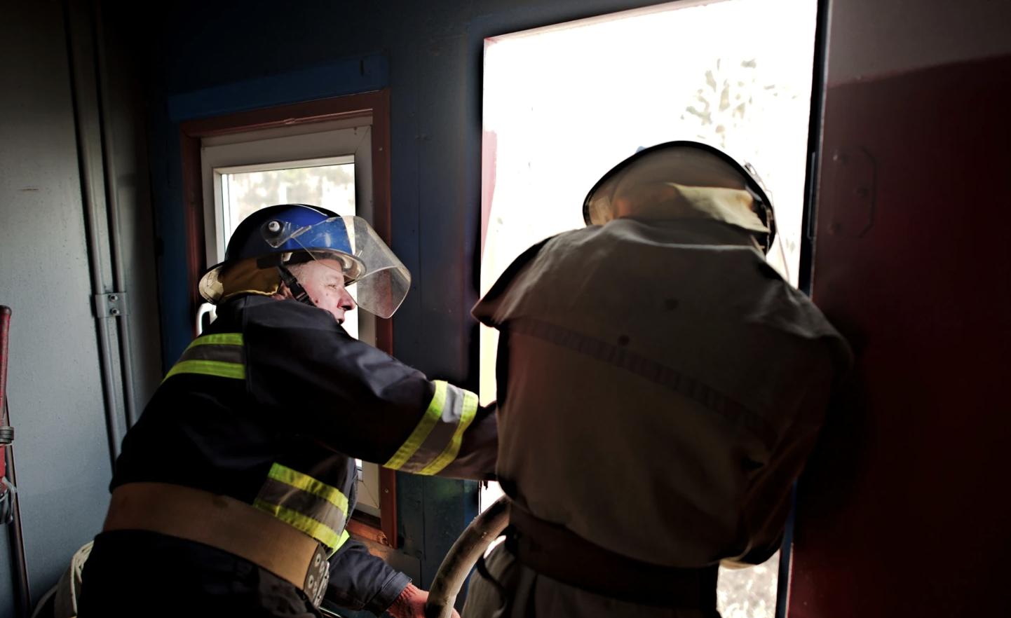 У Черкасах ліквідували пожежу в гуртожитку