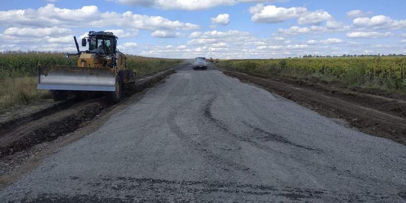 На Звенигородщині відновлюють дорогу місцевого значення
