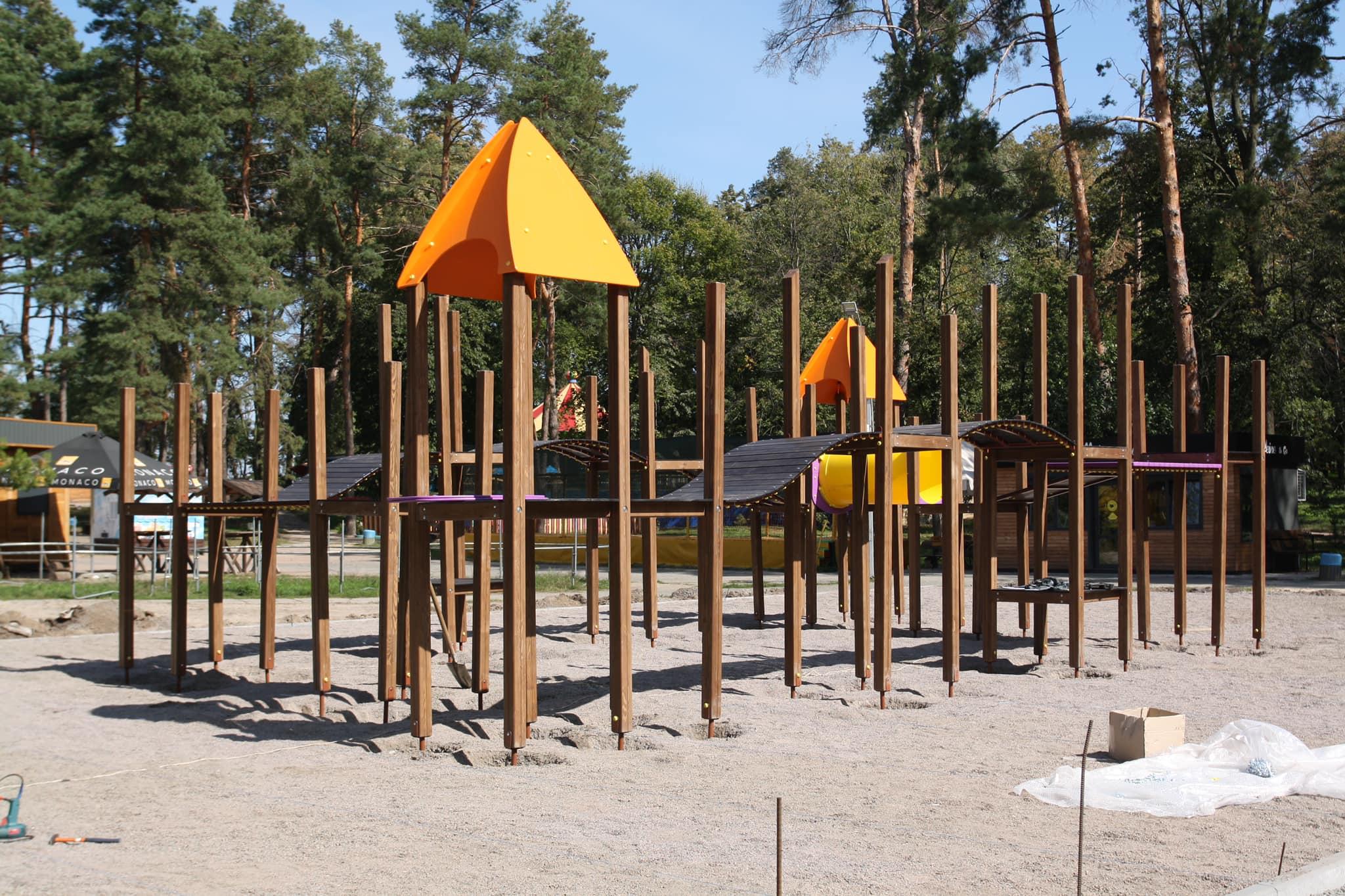 У черкаських парках установлять дитячі майданчики