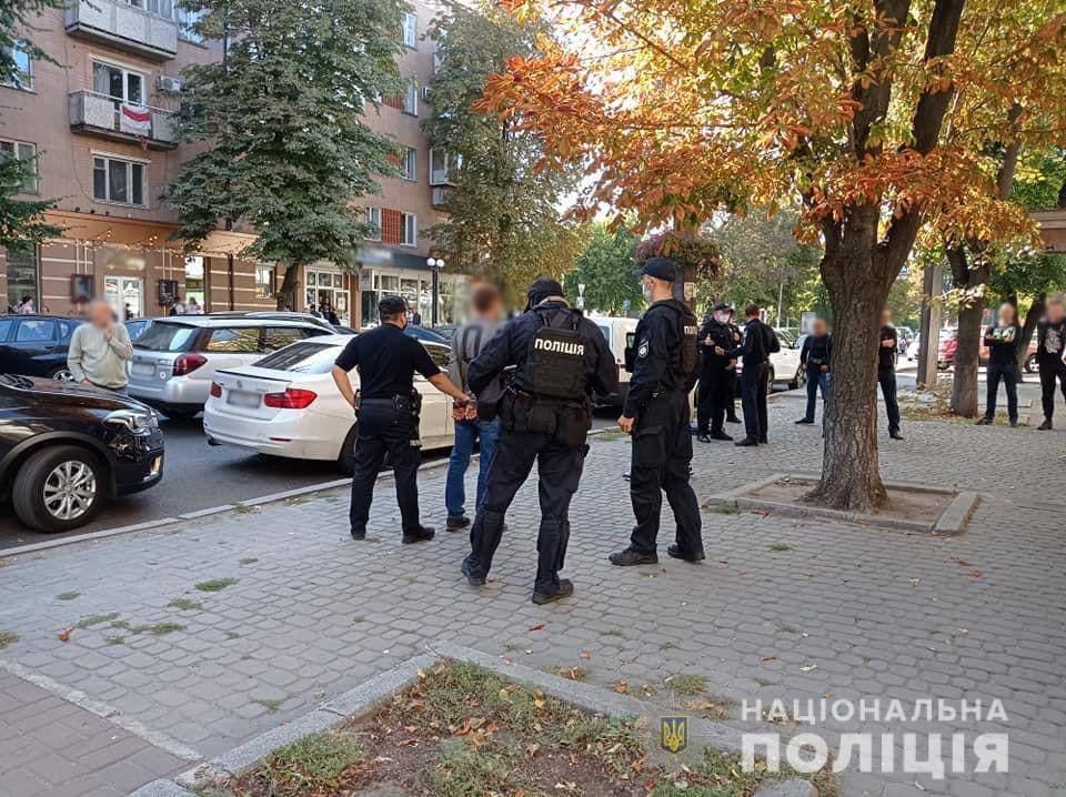 Поліція затримала чотирьох учасників конфлікту на вулиці Хрещатик
