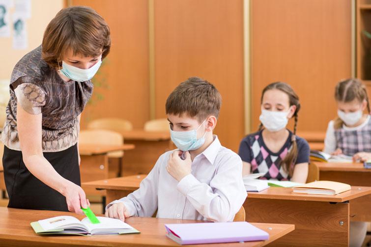 У Черкасах майже всі школи працюють у звичайному режимі