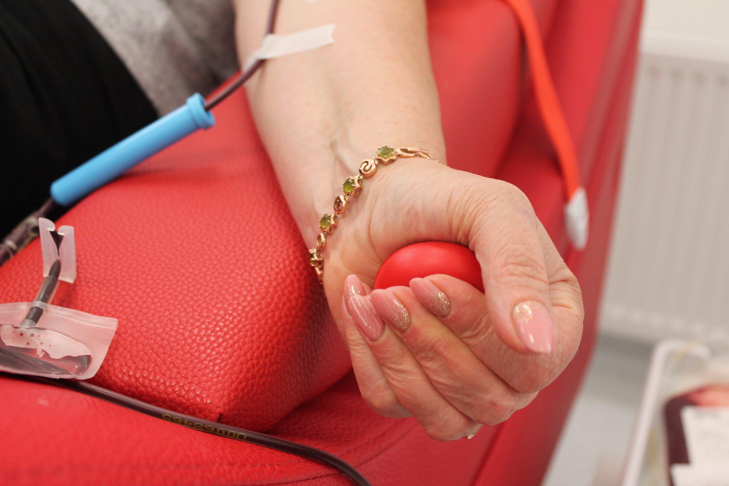 """""""Челендж донорства"""": у Черкасах представники двох громад здали компоненти крові (ФОТО)"""