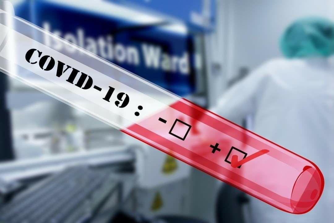 Майже 10 тисяч українців захворіли на COVID-19 за добу