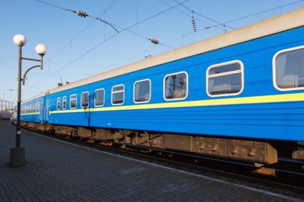 Через ремонт на ділянці Черкаси – ім. Т. Шевченка відмінять рух потягів