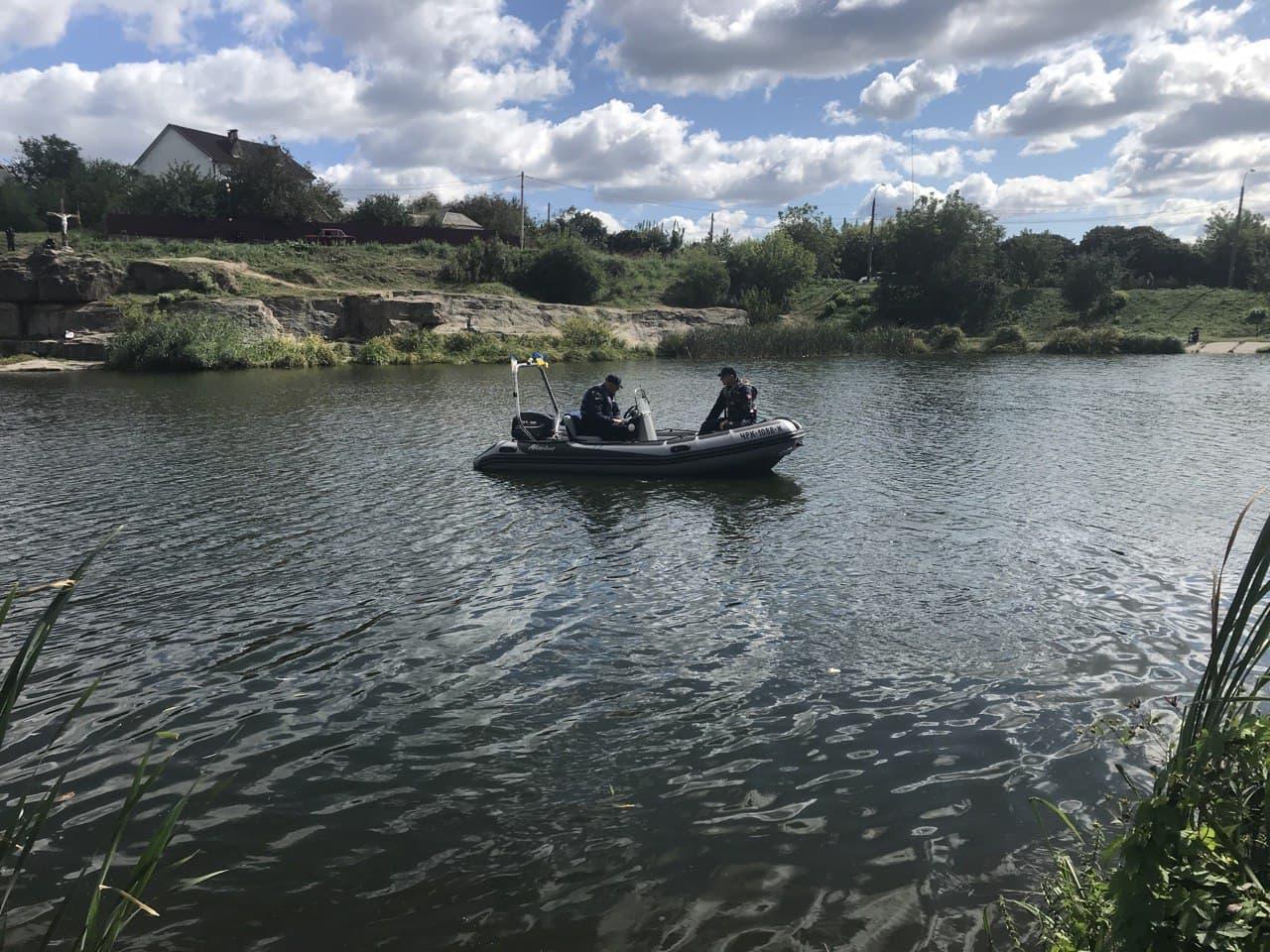 Рятувальники очистили водойму, в якій занурюватимуться паломники
