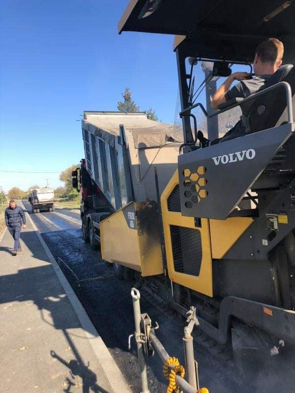 На Звенигородщині ремонтують дорогу місцевого значення