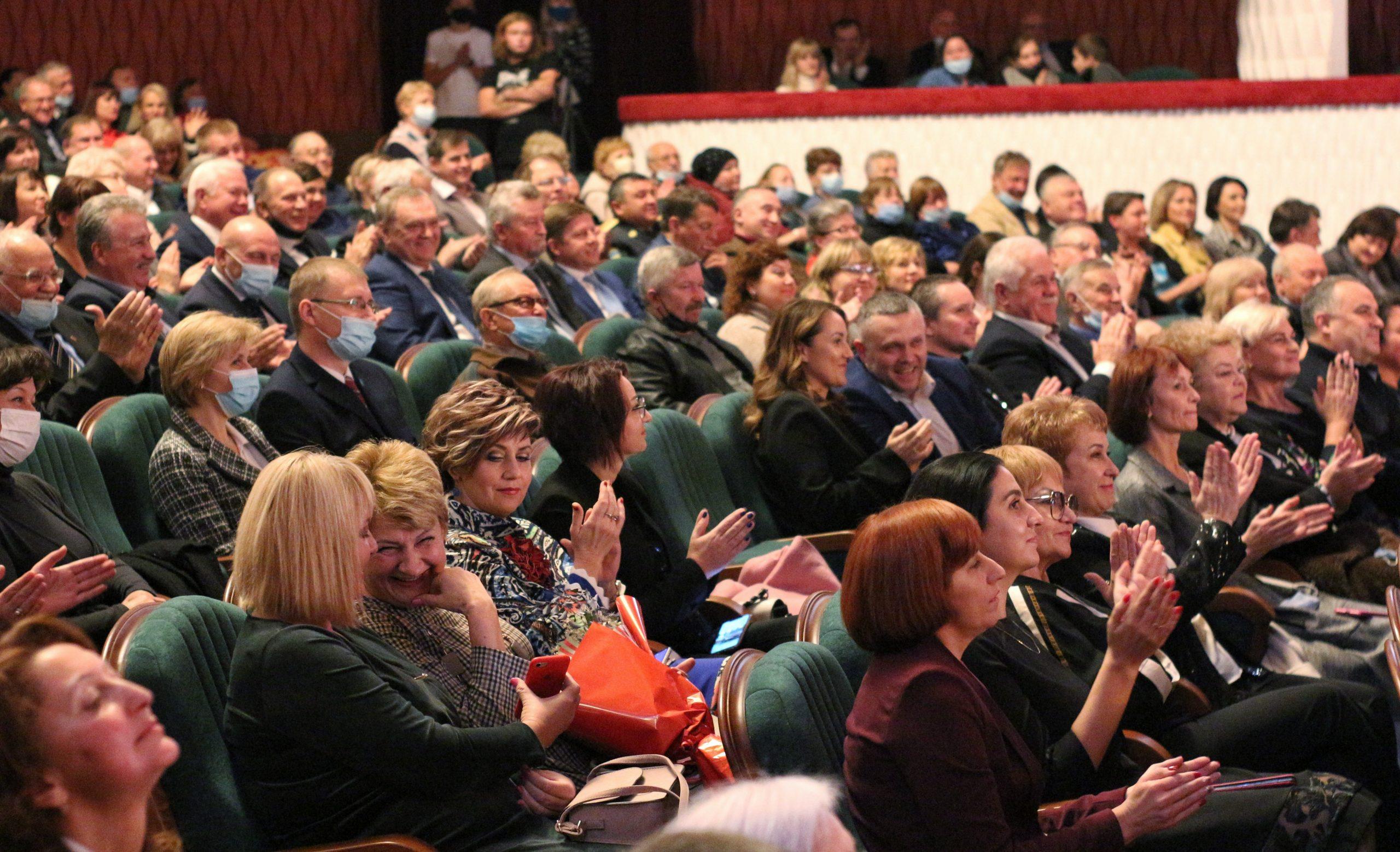 Фоторепортаж зі святкування сторіччя Черкаського національного